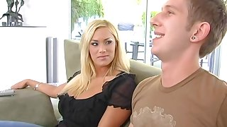 Stacked MILF stepmom is so sexy that she gets the dick she wants