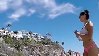 Schönes Höschen Deutsch Big Ass, wenn Sie an den Strand gehen