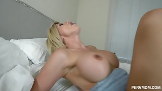 Huge facial for stepmother Amber Chase after POV stepson fuck