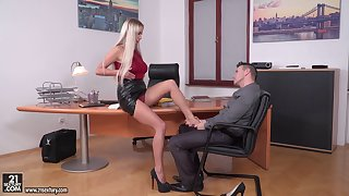 Office threesome yon duplicate penetration for secretary Lara Onyx