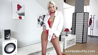 Marvellous and charming blonde Carol Lilien gets nude respecting masturbate herself