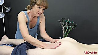 Experienced masseuse, Cyndi Sinclair sucks cock every once in a while, instead for doing say no to job